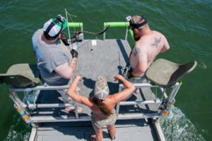 Bowfishing Stingrays 1